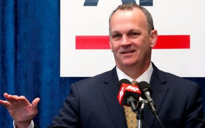 Corcoran backs tougher texting while driving law